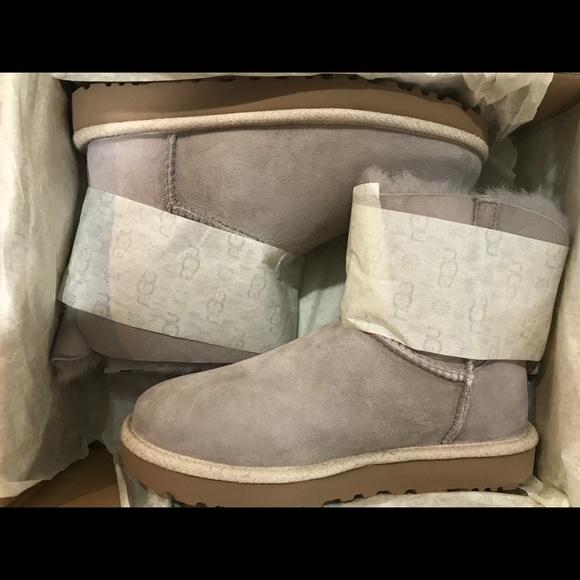 0a464c6694e Ugg Australia Selene Boots Grey